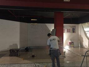Preparación de local comercial en Centro Comercial el Saler.