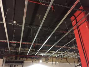 Ejecución defalsos techos de cartón yeso suspendidos.