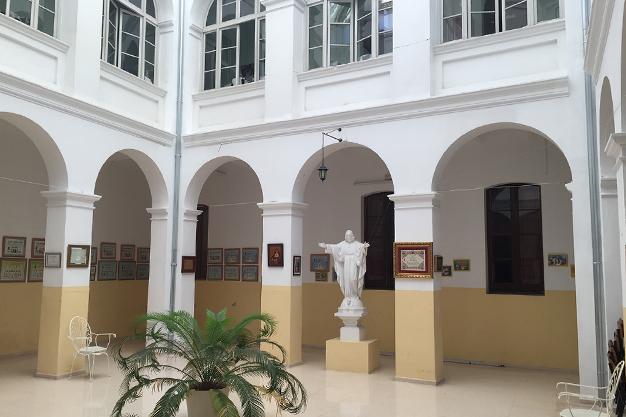 Rehabilitación integral de edificios públicos y privados de tipo residencial, educacional,... en Valencia